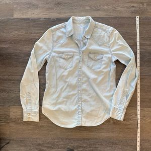 Gap - Broken in chambray blouse